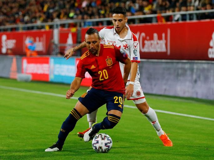 Cazorla trở lại, Tây Ban Nha vượt qua vòng loại Euro 2020 - Ảnh 1.