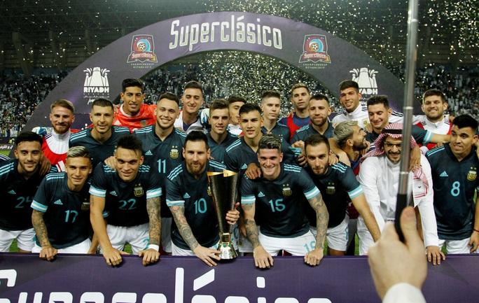 Messi tái xuất, Argentina hạ Brazil, đoạt cúp siêu kinh điển Nam Mỹ - Ảnh 10.
