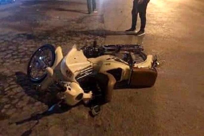 Gây tai nạn giao thông khiến thai phụ tử vong, cán bộ công an rời khỏi hiện trường - Ảnh 1.