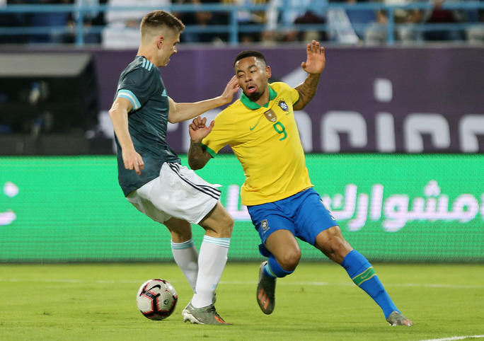 Messi tái xuất, Argentina hạ Brazil, đoạt cúp siêu kinh điển Nam Mỹ - Ảnh 5.