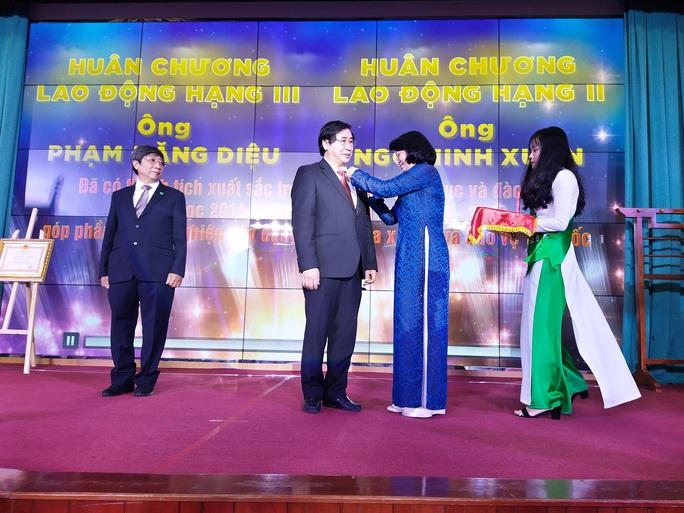 Trường ĐH Y khoa Phạm Ngọc Thạch đón nhận Huân chương Lao Động hạng Nhì - Ảnh 3.