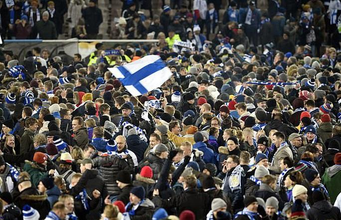Tây Ban Nha dội mưa bàn thắng, Phần Lan lần đầu dự VCK Euro - Ảnh 2.