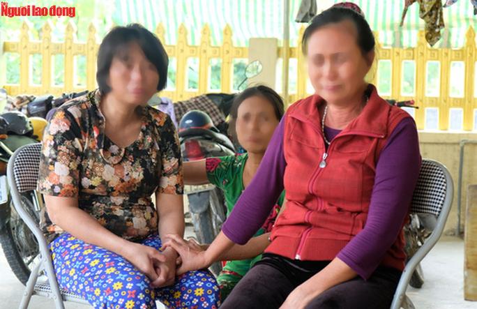 Nước mắt ngày trùng phùng của người phụ nữ sau 25 năm bị bán làm vợ chui ở Trung Quốc - Ảnh 1.