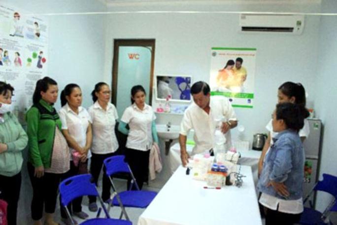 Ninh Thuận: Lập phòng vắt, trữ sữa mẹ cho công nhân - Ảnh 1.