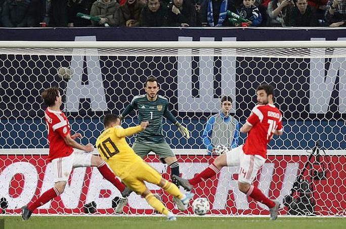 Anh em Hazard lập đại công, Bỉ lập kỷ lục đại thắng vòng loại Euro - Ảnh 2.