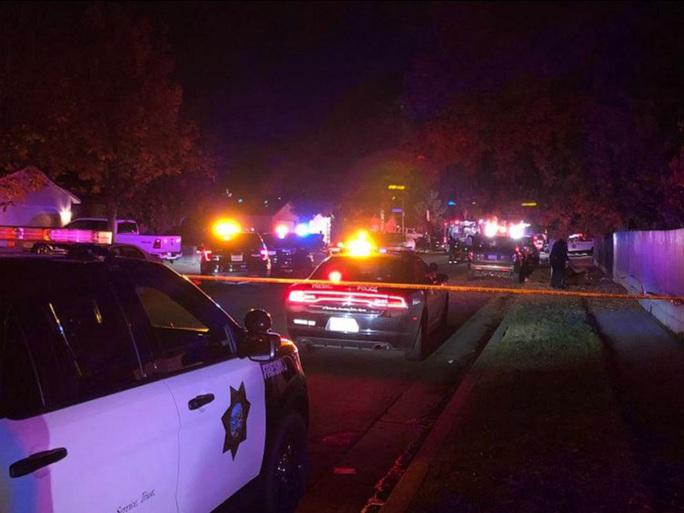 Xả súng vào gia đình đang xem bóng đá, giết chết 4 người - Ảnh 1.