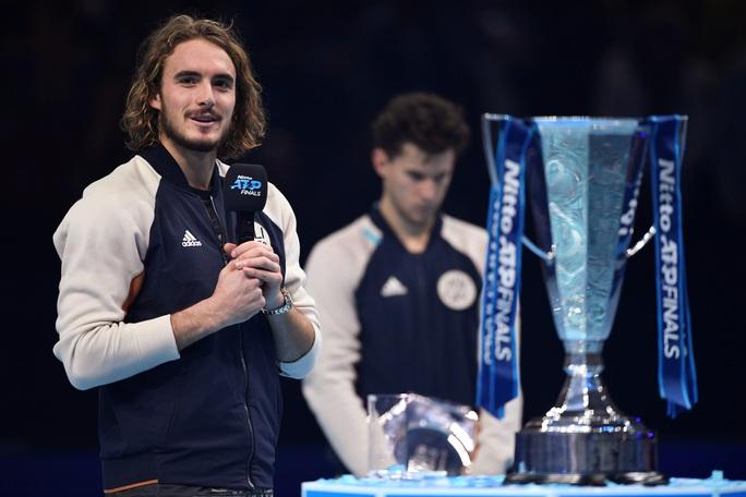 Clip Tsitsipas lần đầu dự giải và đăng quang ATP Finals 2019 - Ảnh 4.