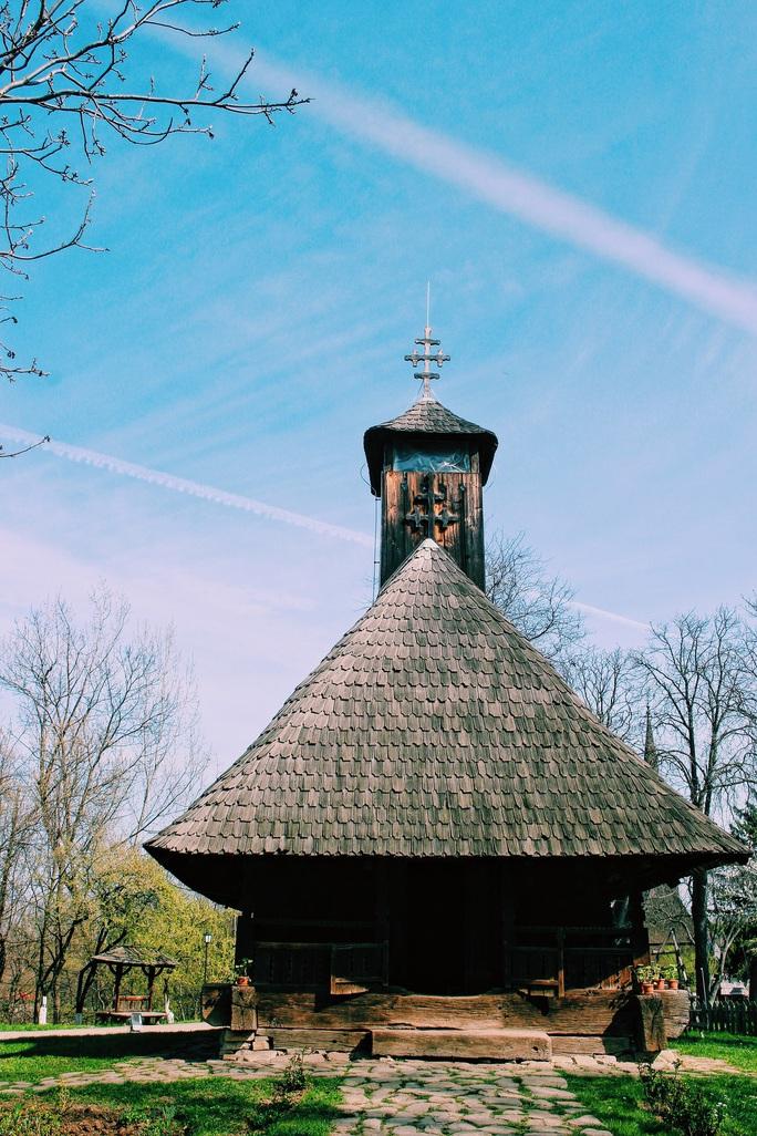 Dạo quanh bảo tàng làng lộ thiên, hít mùi rơm rạ - Ảnh 4.