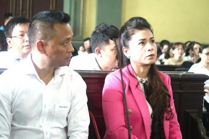 Bà Lê Hoàng Diệp Thảo lại nhập viện khi tòa xử phúc thẩm - Ảnh 2.