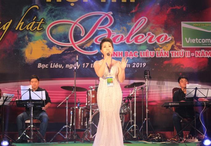 """Hoài Linh giành giải nhất Hội thi """"Tiếng hát Bolero"""" khu vực ĐBSCL - Ảnh 6."""