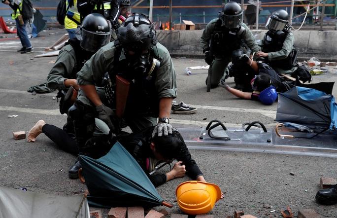 Hồng Kông: Chính quyền, người biểu tình và sức ép đối thoại - Ảnh 1.