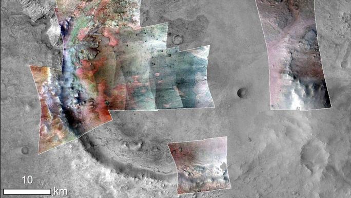 Phát hiện ốc đảo nghi có hóa thạch sinh vật ngoài hành tinh - Ảnh 2.