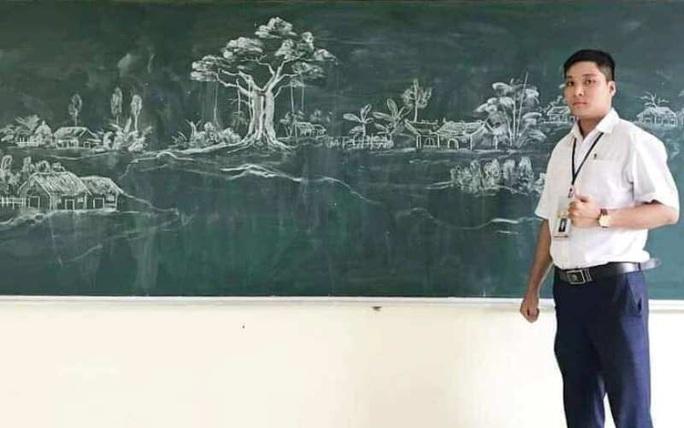 Thầy giáo vẽ tranh bằng phấn trắng trên bảng đen khiến học trò thích thú, cuốn hút mỗi giờ học - Ảnh 2.