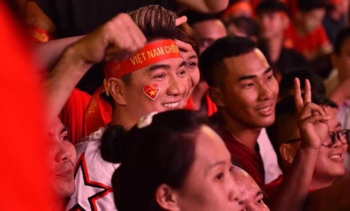 Trận Việt Nam - Thái Lan: HLV Park Hang-seo cảm giác trọng tài Oman thổi sai - Ảnh 3.