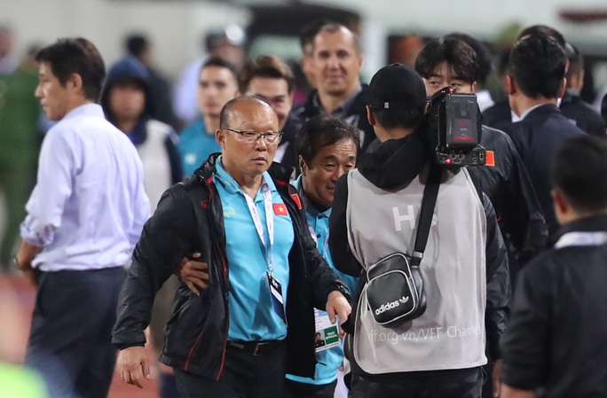 Ông Lê Huy Khoa: Người Thái muốn thầy Park bị cấm chỉ đạo ở trận gặp Malaysia - Ảnh 2.