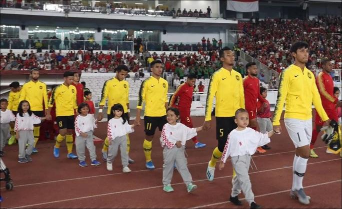 Malaysia thắng dễ Indonesia, gây sức ép lên Thái Lan và Việt Nam - Ảnh 2.