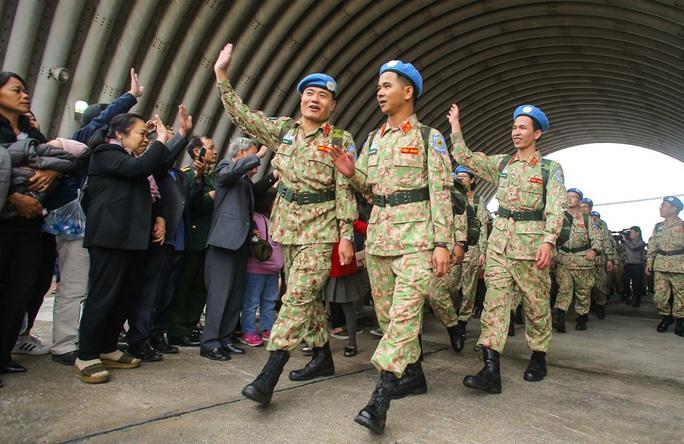 Cận cảnh ngựa thồ C-17 đưa Bệnh viện dã chiến lên đường gìn giữ hòa bình Liên Hiệp Quốc - Ảnh 9.
