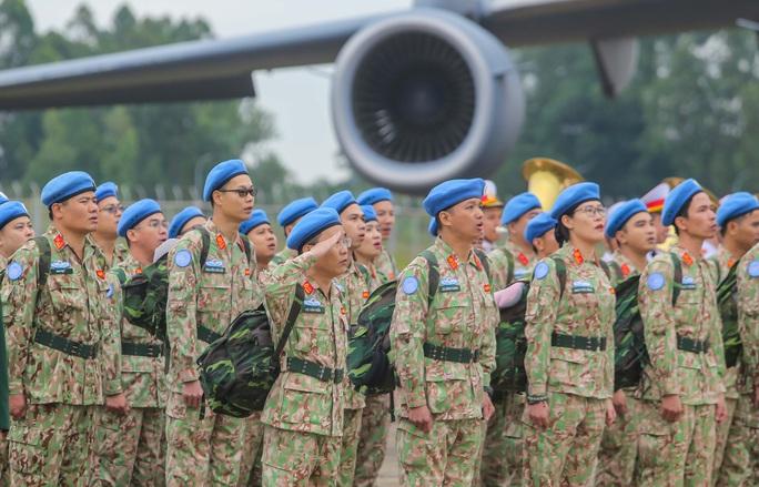 Cận cảnh ngựa thồ C-17 đưa Bệnh viện dã chiến lên đường gìn giữ hòa bình Liên Hiệp Quốc - Ảnh 12.