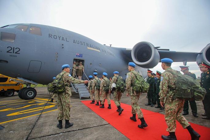 Cận cảnh ngựa thồ C-17 đưa Bệnh viện dã chiến lên đường gìn giữ hòa bình Liên Hiệp Quốc - Ảnh 25.