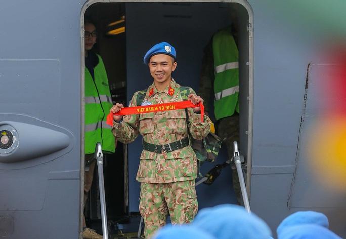 Cận cảnh ngựa thồ C-17 đưa Bệnh viện dã chiến lên đường gìn giữ hòa bình Liên Hiệp Quốc - Ảnh 28.