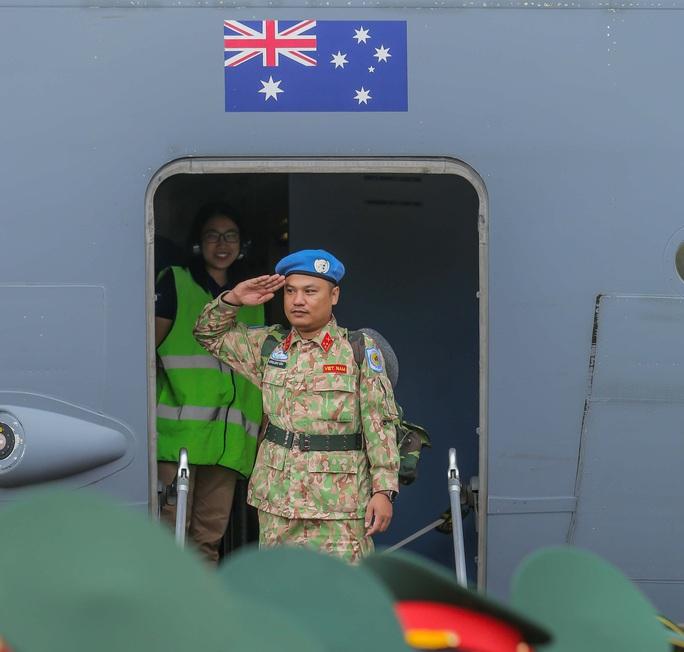 Cận cảnh ngựa thồ C-17 đưa Bệnh viện dã chiến lên đường gìn giữ hòa bình Liên Hiệp Quốc - Ảnh 29.
