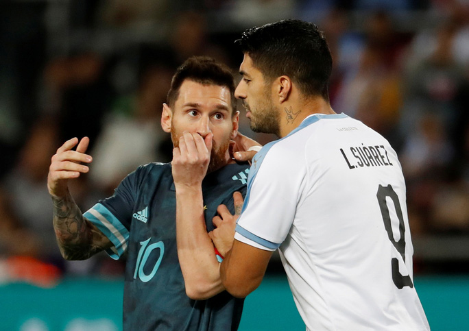 Suarez và Messi lập công nghẹt thở ở siêu kinh điển River Plate - Ảnh 7.