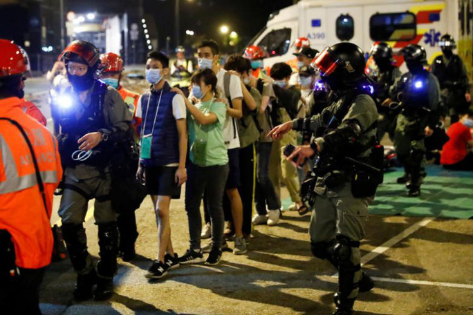 Bế tắc Hồng Kông chưa có lối thoát sau đêm căng thẳng - Ảnh 1.