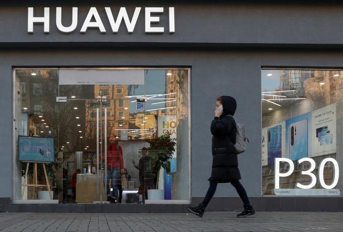 Mỹ gia hạn 90 ngày, Huawei chưa yên - Ảnh 2.