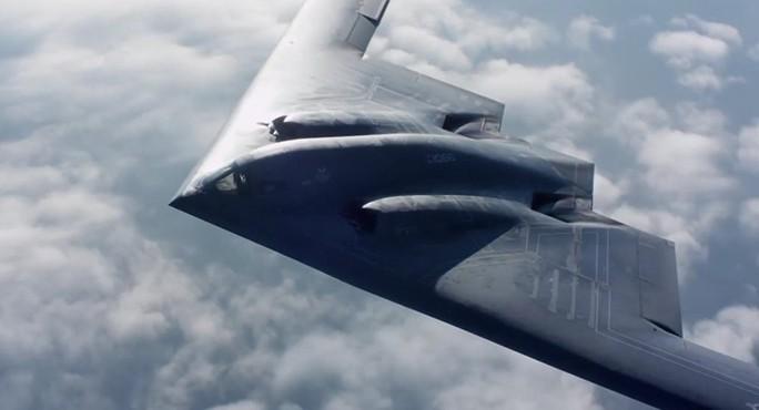 Mỹ đẩy mạnh chương trình không gian với UAV và tàu con thoi bí mật - Ảnh 1.