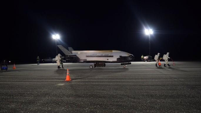 Mỹ đẩy mạnh chương trình không gian với UAV và tàu con thoi bí mật - Ảnh 2.