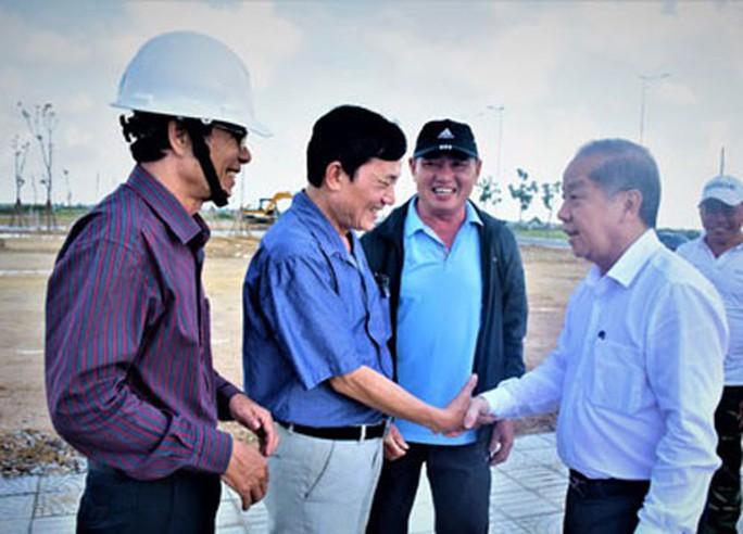Bí thư Tỉnh ủy Thừa Thiên - Huế kêu gọi ủng hộ người nghèo - Ảnh 1.