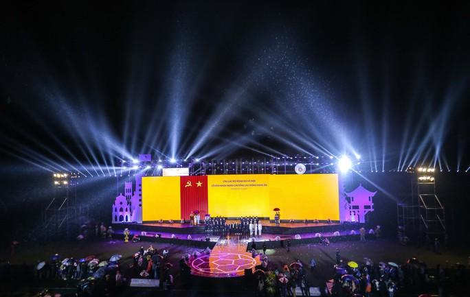 Quang Hải cùng CLB Hà Nội rạng ngời trong ngày vinh danh, đón nhận Huân chương Lao động hạng Ba - Ảnh 5.
