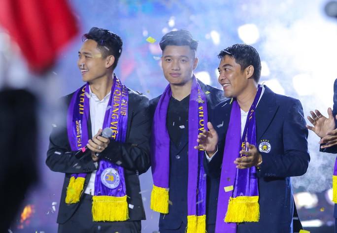 Quang Hải cùng CLB Hà Nội rạng ngời trong ngày vinh danh, đón nhận Huân chương Lao động hạng Ba - Ảnh 6.