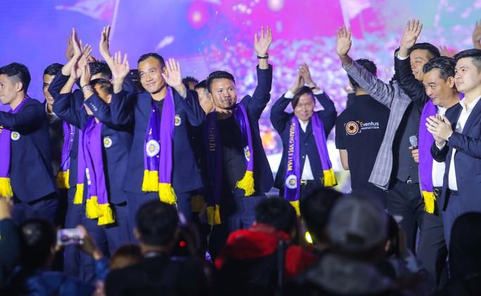 Quang Hải cùng CLB Hà Nội rạng ngời trong ngày vinh danh, đón nhận Huân chương Lao động hạng Ba - Ảnh 7.
