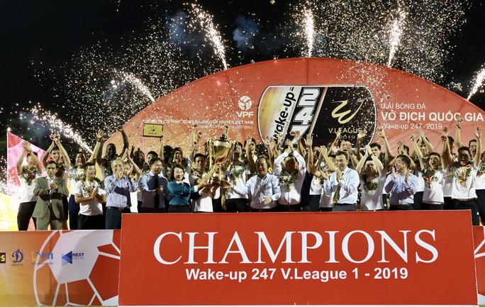 Tổng kết V-League 2019: Khi cái kết được bầu Đức báo trước - Ảnh 1.