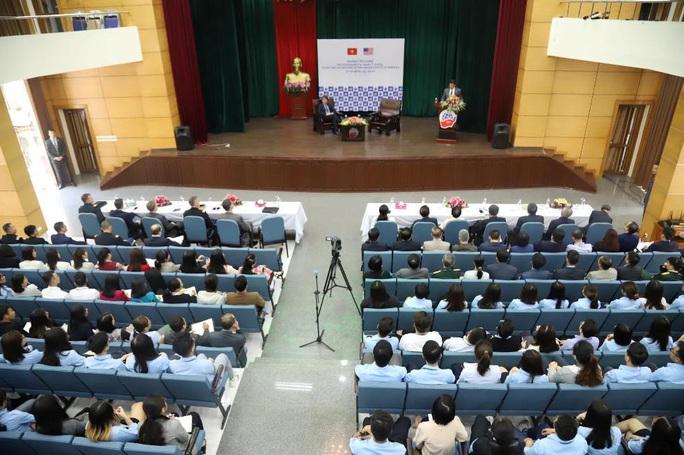 Bộ trưởng Quốc phòng Mỹ Mark Esper dẫn chuyện Hai Bà Trưng để nói về quan hệ với Việt Nam - Ảnh 3.