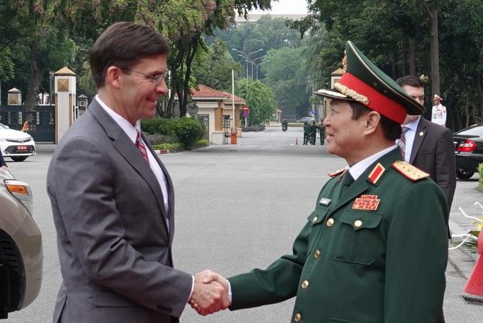 Bộ trưởng Bộ Quốc phòng Mỹ Mark Esper thăm Việt Nam - Ảnh 2.