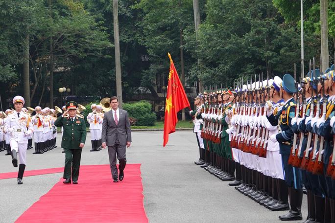 Bộ trưởng Bộ Quốc phòng Mỹ Mark Esper thăm Việt Nam - Ảnh 3.