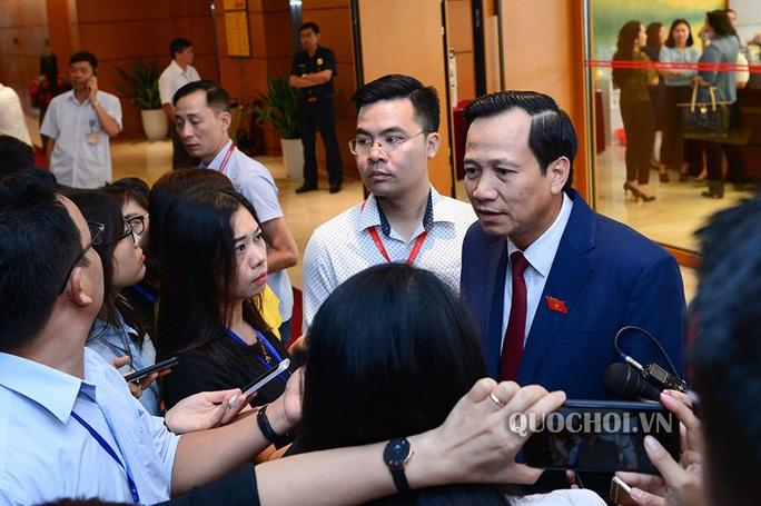 Bộ trưởng Đào Ngọc Dung nói gì về tăng tuổi nghỉ hưu lên 62 đối với nam và 60 đối với nữ? - Ảnh 1.