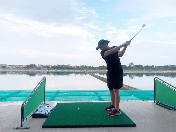 Sân tập golf trong nhà máy nước: Bộ Xây dựng không biết, hãy hỏi Hà Nội! - Ảnh 1.