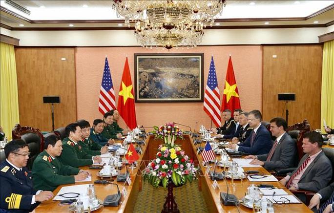 Bộ trưởng Bộ Quốc phòng Mỹ Mark Esper thăm Việt Nam - Ảnh 7.