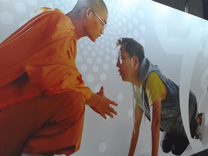 """Mạc Văn Khoa cạo đầu, Trường Giang hóa con """"mất dạy"""" trong phim Tết - Ảnh 2."""