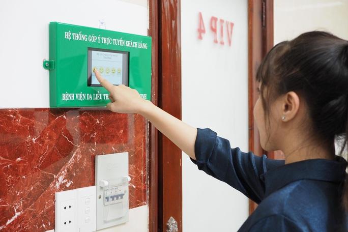 Bệnh viện gắn màn hình để bệnh nhân chấn chỉnh bác sĩ - Ảnh 1.
