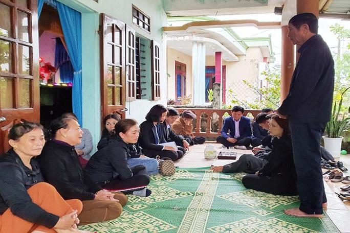 5 lao động Quảng Bình mất tích ở biển Hàn Quốc: Mong ngóng tin con - Ảnh 2.