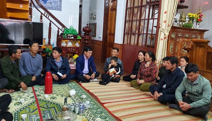 5 lao động Quảng Bình mất tích ở biển Hàn Quốc: Mong ngóng tin con - Ảnh 3.
