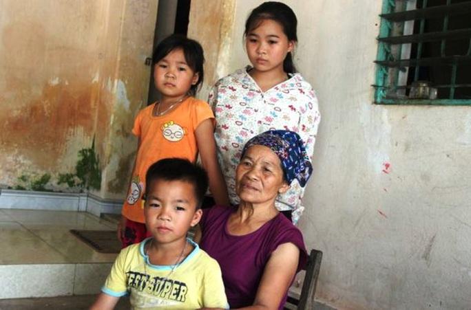 Vận động người thân 3 trẻ mồ côi rút tiền trả nợ 50 triệu đồng do bố chết để lại - Ảnh 1.
