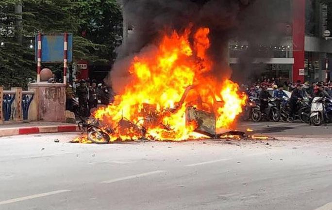 Vụ nữ tài xế Mercedes gây tai nạn thảm khốc: Phó Thủ tướng khen Trung tá CSGT cứu người - Ảnh 2.