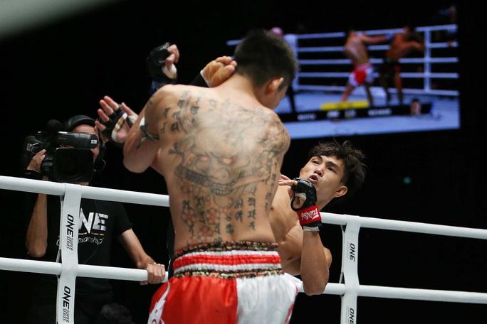 Nguyễn Trần Duy Nhất hạ knock-out dễ dàng nhà vô địch Nhật Bản - Ảnh 2.