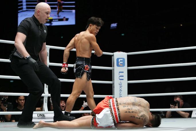 Nguyễn Trần Duy Nhất hạ knock-out dễ dàng nhà vô địch Nhật Bản - Ảnh 3.