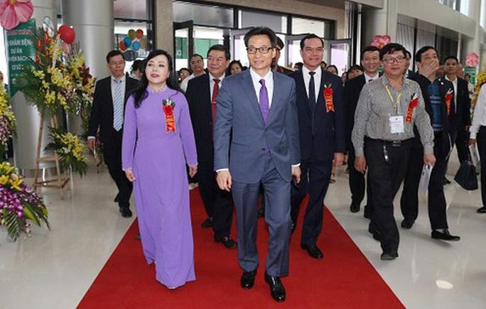 Ai phụ trách Bộ Y tế sau khi Quốc hội miễn nhiệm Bộ trưởng Nguyễn Thị Kim Tiến? - Ảnh 2.